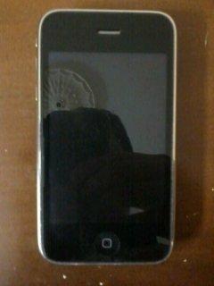 Iphone 3GS 8GB مستعمل للبيع بحالة ممتازة