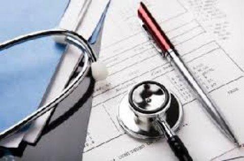 متخصص في مواد الطب على استعداد لتدريس المواد الطبية لطلبة الطب