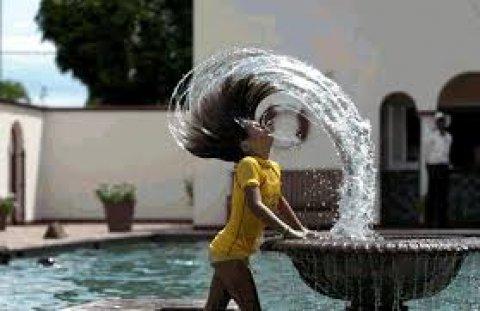 فتاة طيبة وحنونة من عائلة محافظة وبسيطة