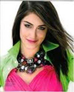 فتاة اردنية بيضاء البشرة من عائلة محافضة