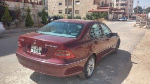 سيارة مرسيدس C200 موديل 2002 للبيع