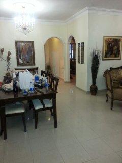 شقة فاخرة ومميزة في موقع مميز بضاحية الرشيد