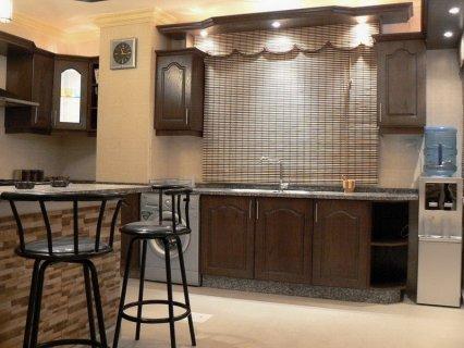 شقة مع شقة روف مؤثثتين فاخرة و مميزة