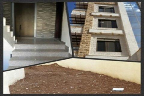 شقة طابق ارضي في ضاحية الرشيد فاخرة للبيع المساحه  170 م ب 93  ا