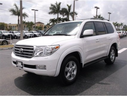 2011 TOYOTA LAND CRUISER, GCC-SPECS