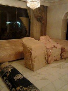 شركة باب السعادة لخدمات نقل وترحيل الاثاث داخل وخارج عمان فك وتغ