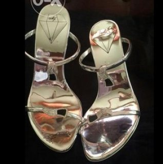 حذاء ايطالي ماركة للبيع