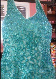فستان خطوبة جميل للبيع