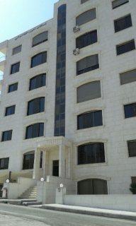 شقة سكنية في موقع مميز في ربوة عبدون للبيع