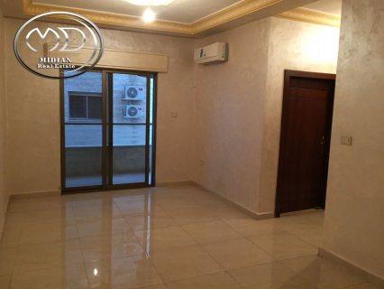 شقة ارضية فارغة للايجار في تلاع العلي 160م مع ترس وكراج قرب المس
