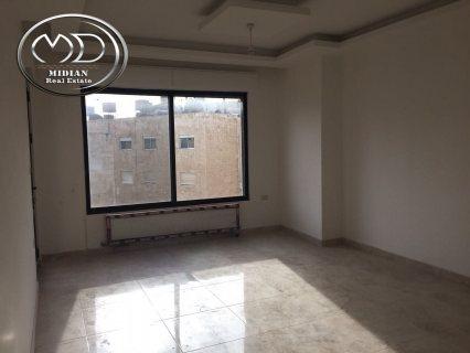 شقة للبيع فارغه في ام السماق - مقابل الانجليزيه 125 م