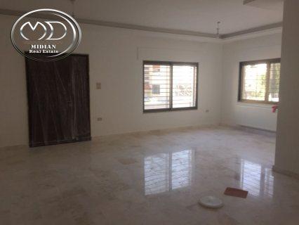 شقة للبيع في الجندويل - قرب البيت المفتول - أرضية - 215م