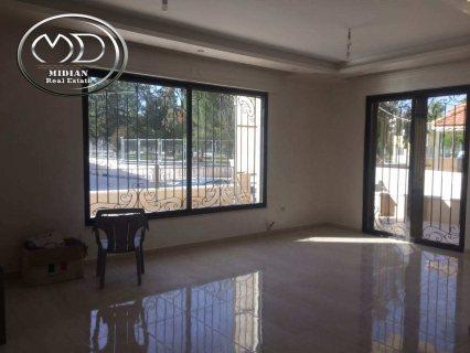 شقة للبيع في الجندويل - مقابل ادارة السير- شبه أرضي - 225 م
