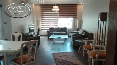 شقة للايجار مفروشة - في الامير راشد - دوار البريد - الطابق الاول - 200م