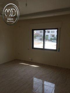 شقة للبيع في خلدا - مقابل البنك العربي - شبه ارضي 140م