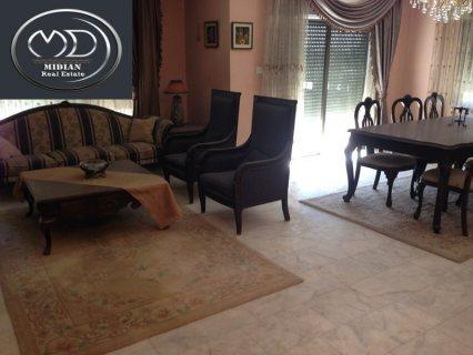 شقة مفروشة للايجار - في ام السماق - قرب تقاطع السكر - الطابق الثالث - 250م