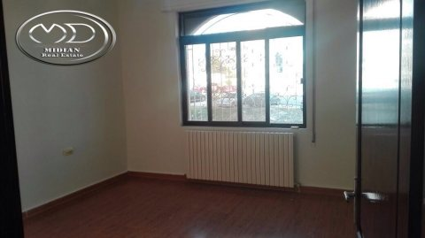 شقة فارغة للايجار - قرب الهوليدي ان - الطابق الاول - 245م