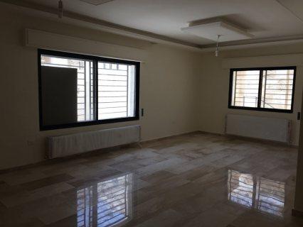 شقه فارغه للايجار في خلدا - مقابل اكاديمية عمان - مساحة 200 م