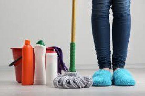 يوجد لدينا عاملات تنظيف و ترتيب بنظام يومي