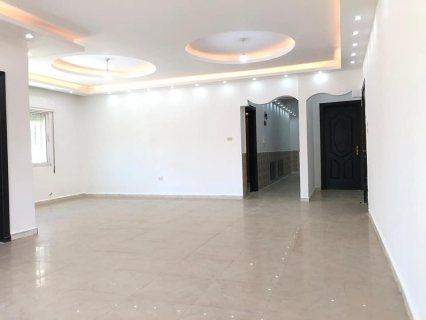 شقة مميزة للبيع طابق ثالث عمان طبربور مساحة 173متر ، ((( بسعر 64 ألف)))