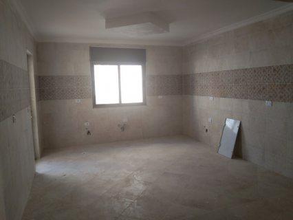 شقة جديدة قخمة للبيع بالحي الجنوبي في اربد