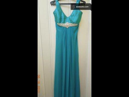 فستان سهرة للبيع لون ازرق شيفون طويل غير مستخدم