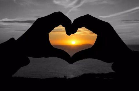 انا شب ابحث على فتات لعلاقة حب جاده 0797088757