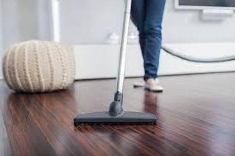يتوفر خادمات لتنظيف المنازل والشقق والمكاتب والفلل