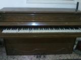 بيانو قديم الصنع 1875