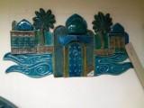 لوحات من الخزف ، وتماثيل على شكل فيل