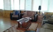شقة طابقية مميزة جدا للبيع بسعر مغري